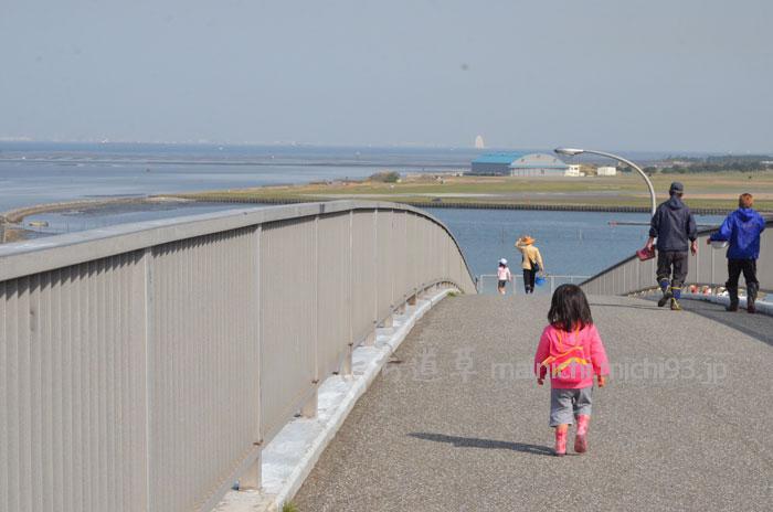木更津海岸に向けて出発!中の島大橋を渡ります