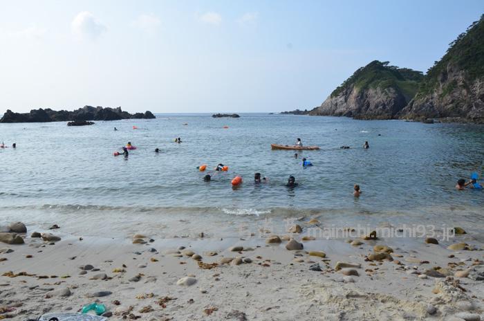 キャンプ場そばの大浦海岸
