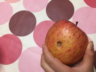 穴あきりんご