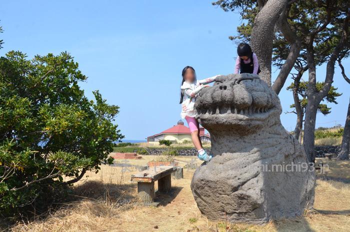 長根浜公園のゴジラ像